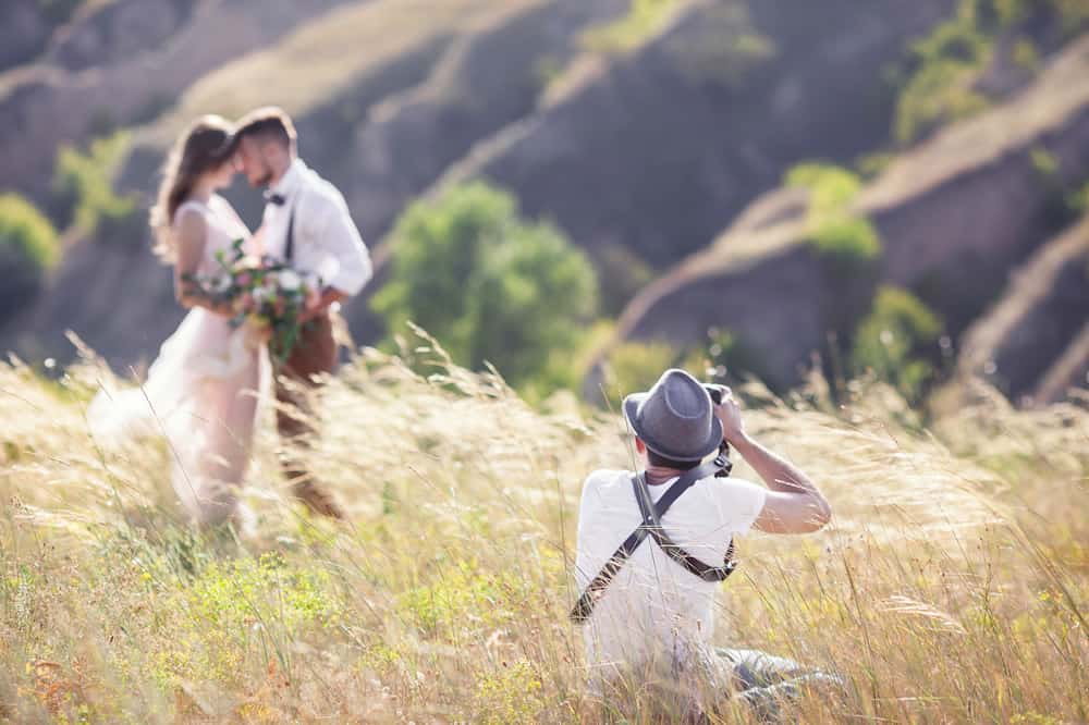 How to Become A Wedding Photographer - dslrad